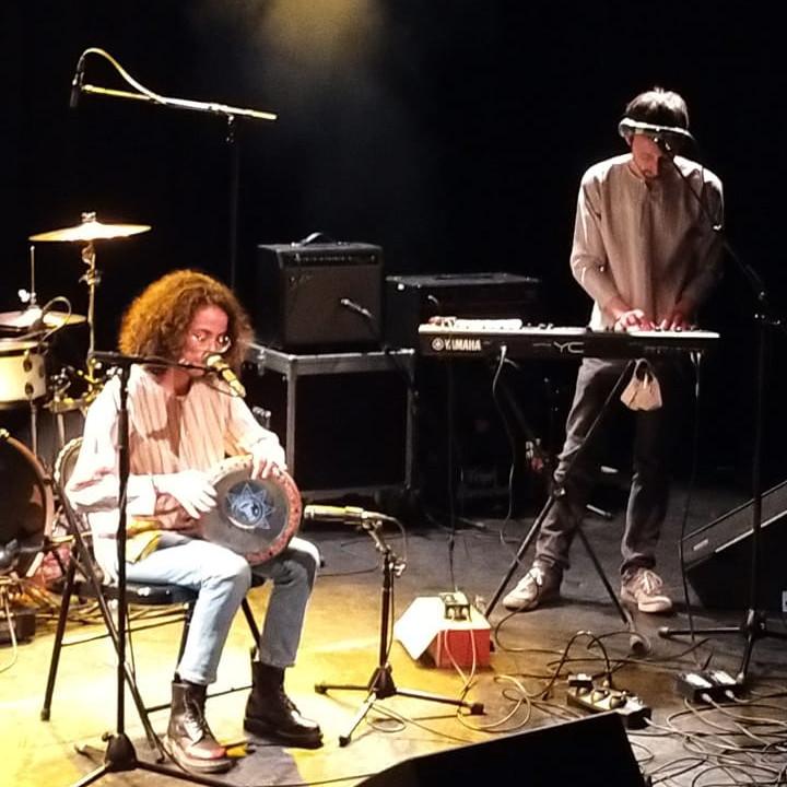 Fadouha et Arnaud sur scène. Crédit photo : Crous Lille